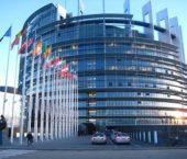 Parlaments apstiprina kravas autotransporta nozares reformu